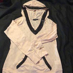 Lightweight hooded seven shirt